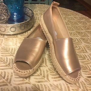 DKNY GOLD Espadrille peak toe shoe